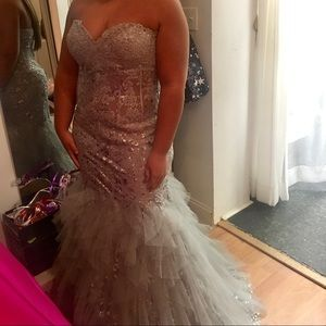 Jovani Strapless Sweetheart Mermaid Gown Size 16